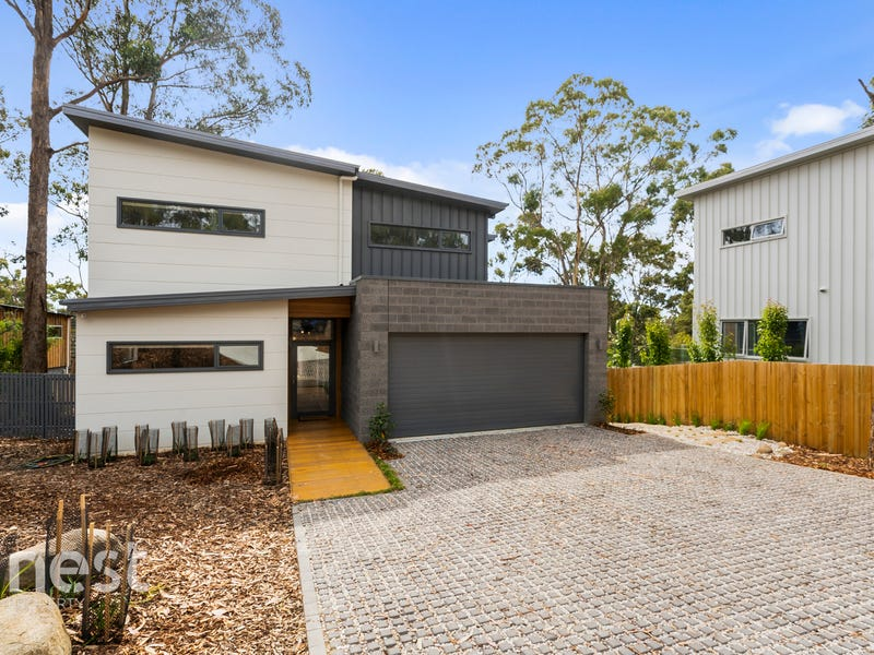 6 Broughton Avenue, Mount Nelson, Tas 7007