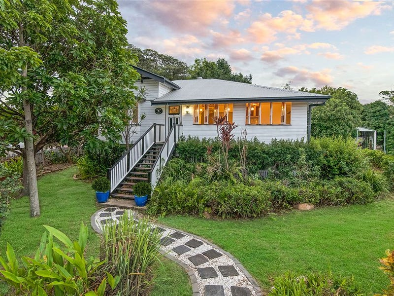 13 Oxford Street, Hyde Park, Qld 4812