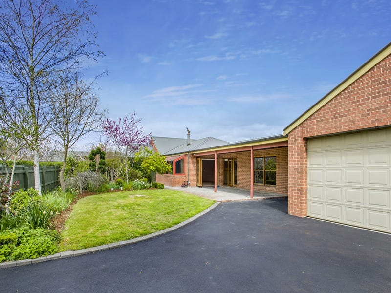 14 Wodalla Grove, New Gisborne, Vic 3438
