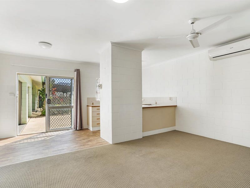 1/5 Ireland Cres, Whitfield, Qld 4870