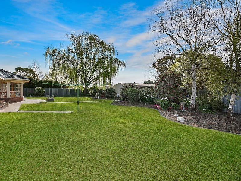15 Irrewillipe Road, Colac, Vic 3250