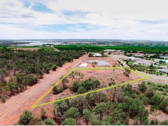 8 Bella Vista Drive, Lake Wyangan, NSW 2680