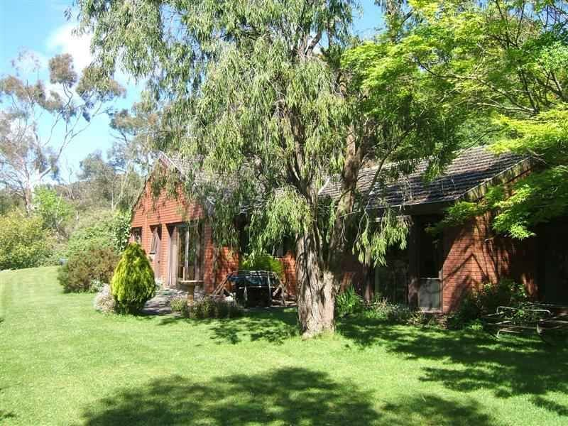 129 Red Hill Road, Red Hill South, Vic 3937