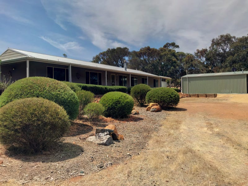 124 O'Connell Road, Wandering, WA 6308
