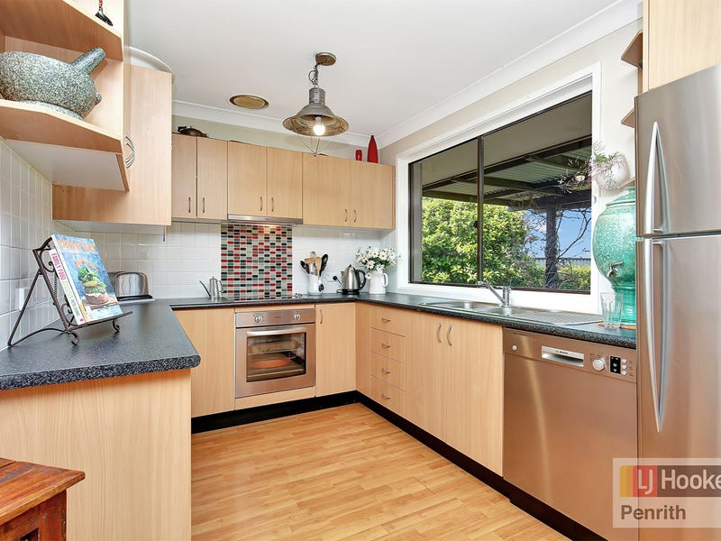 4 Trent Place, Hassall Grove, NSW 2761