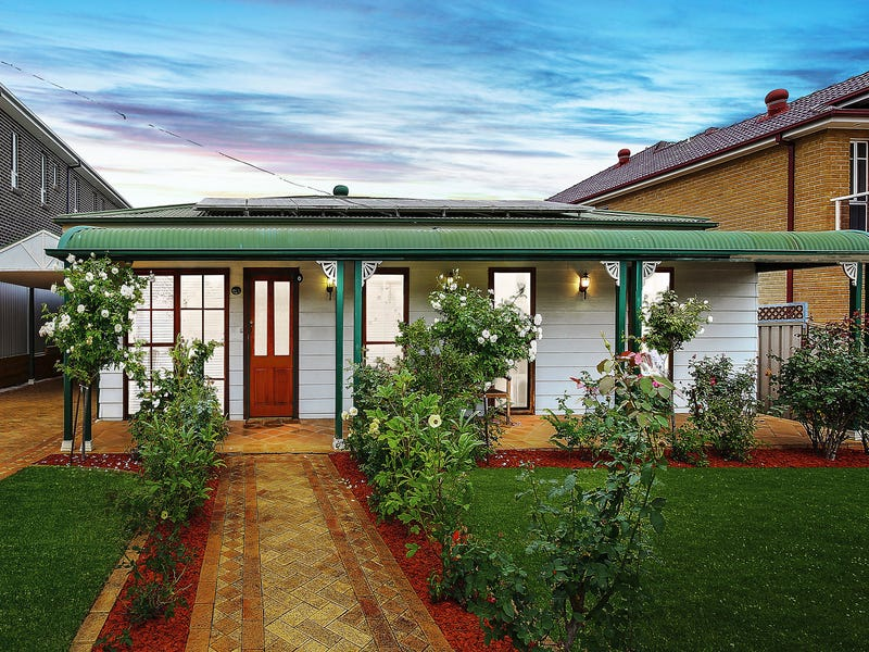 15 Gwandalan Road, Padstow, NSW 2211