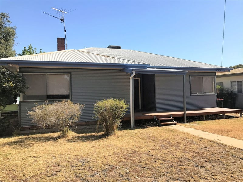 376 Church Street, Hay, NSW 2711