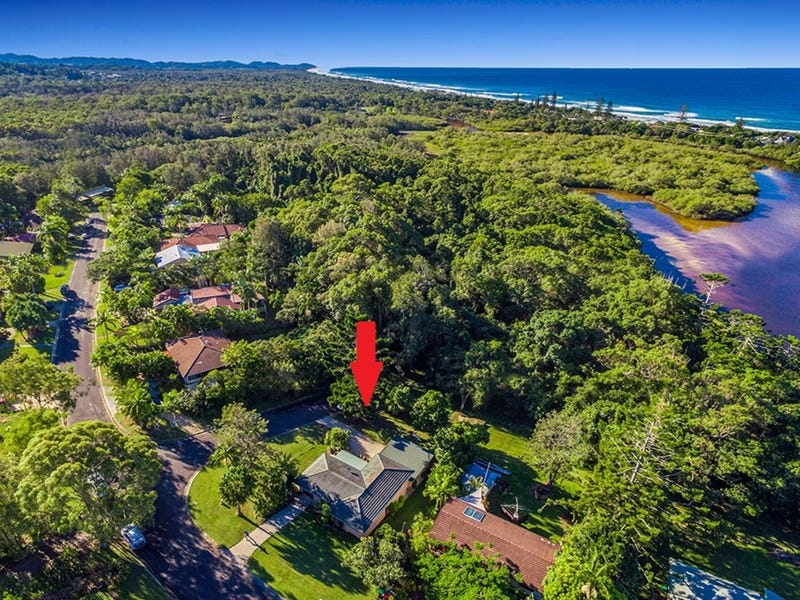 10 Wirree Drive, Ocean Shores, NSW 2483