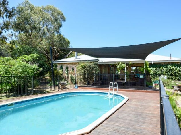 114 Oxley Meadow Creek Road, Oxley, Vic 3678
