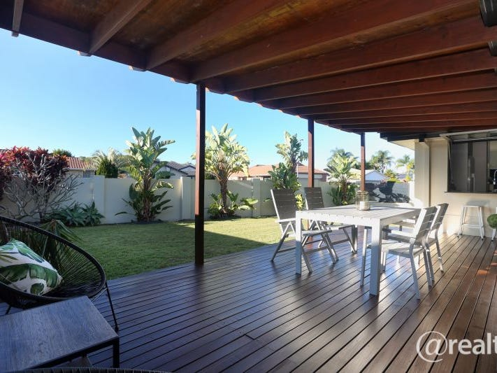1 BOWERBIRD PLACE, Burleigh Waters, Qld 4220