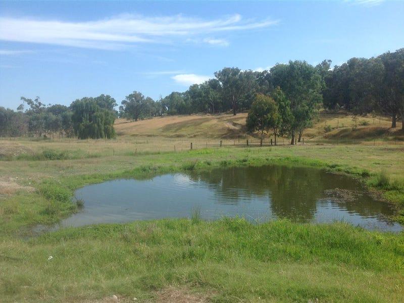 553 Sandy Creek Road, Sandy Creek, Vic 3695