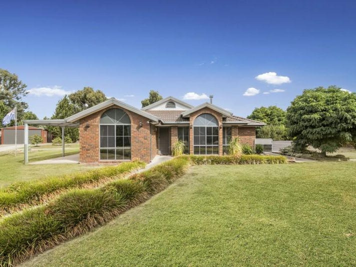 19 Casey Crescent, Broadford, Vic 3658