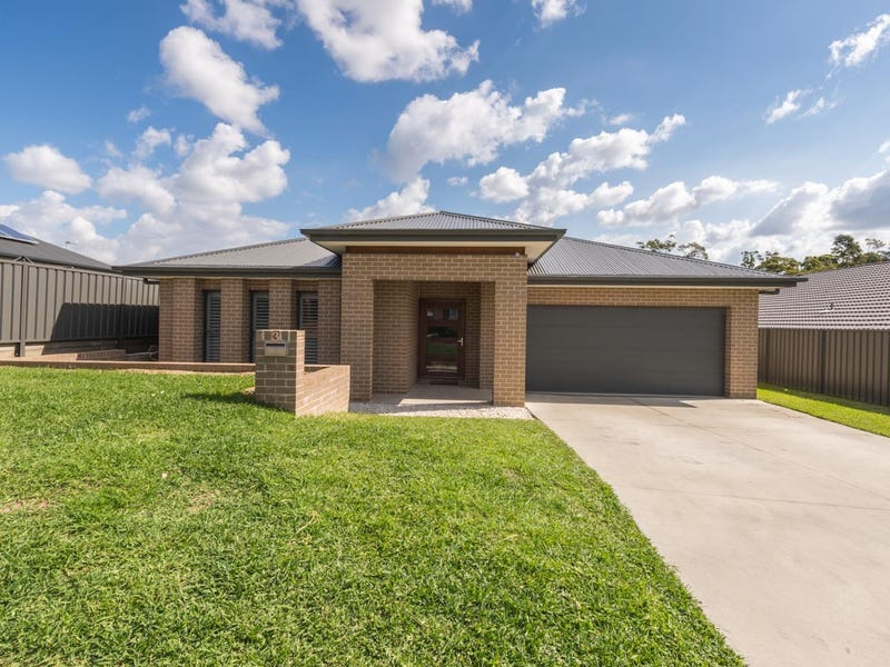 3 Greenock Court, Cameron Park, NSW 2285