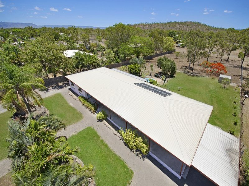 31 Veales Road, Jensen, Qld 4818