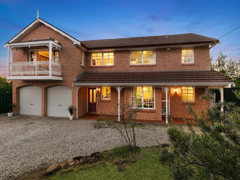 3 Maple Grove, Wentworth Falls, NSW 2782