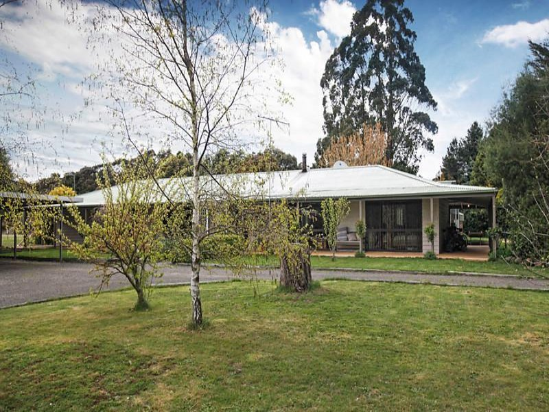 21 Leishmans Lane, Lyonville, Vic 3461
