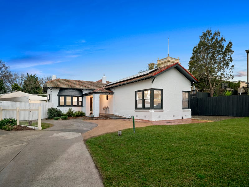 8 Cecil St, Brighton East, Vic 3187