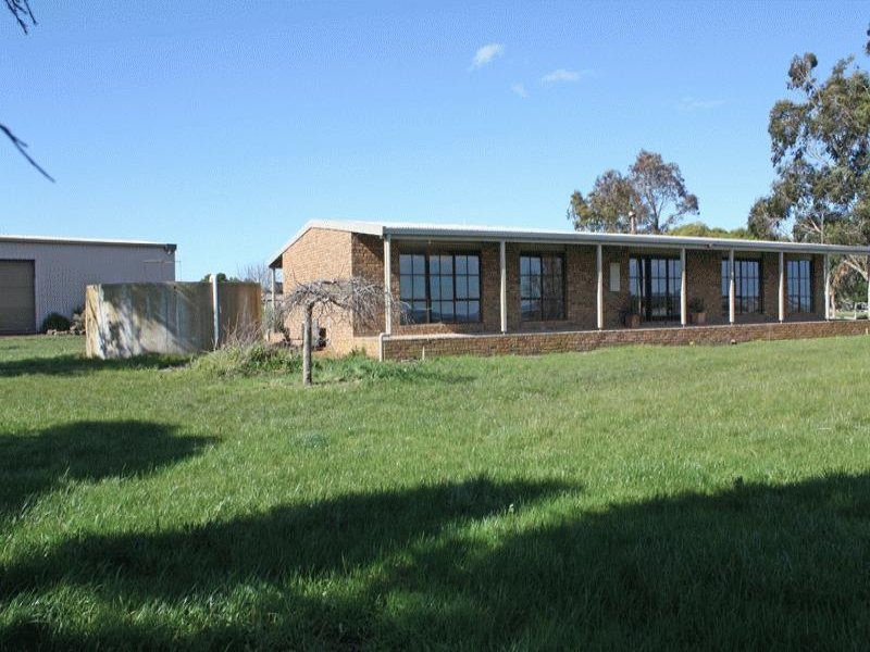 82 Boggygate Road, Clarkefield, Vic 3430