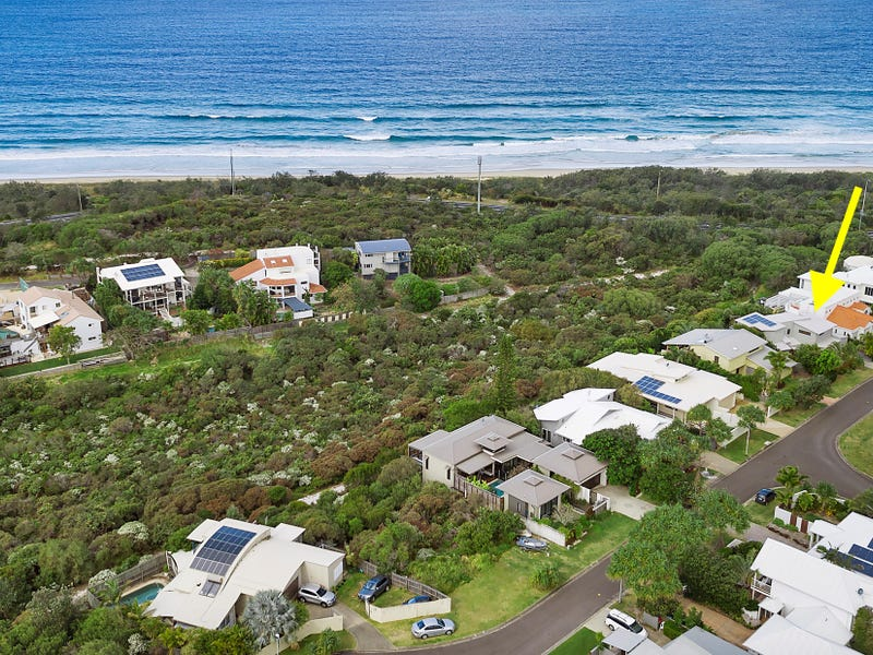24 Antipodes Close, Castaways Beach, Qld 4567