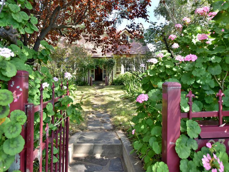 232 Shepherds Hill Road, Bellevue Heights, SA 5050