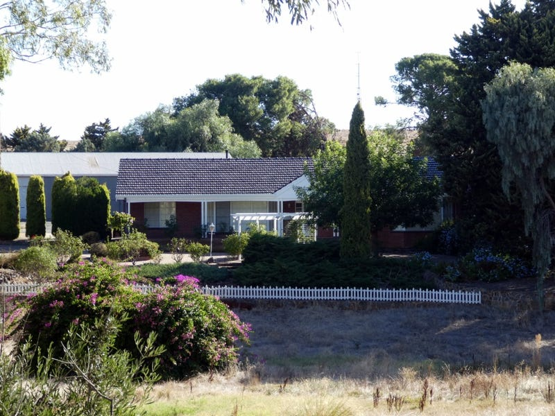 2633 Thiele Highway, Fords