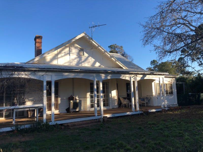 12 Castlereagh Avenue, Binnaway, NSW 2395