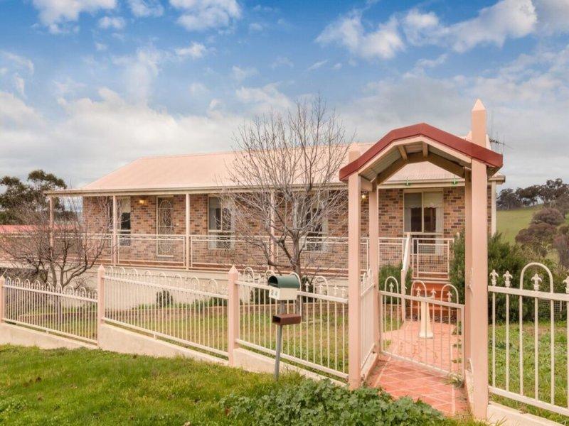 24 McArdle Street, Molong, NSW 2866