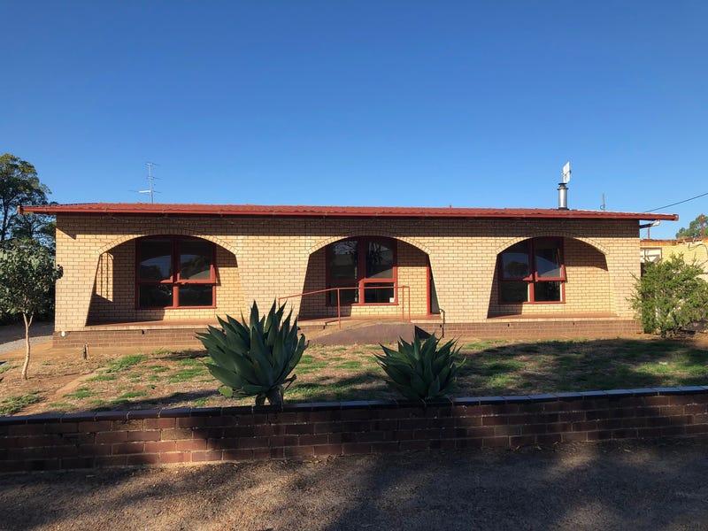 42 Tumby Bay Road, Cummins, SA 5631