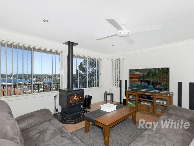 28 Sunlight Parade, Fishing Point, NSW 2283