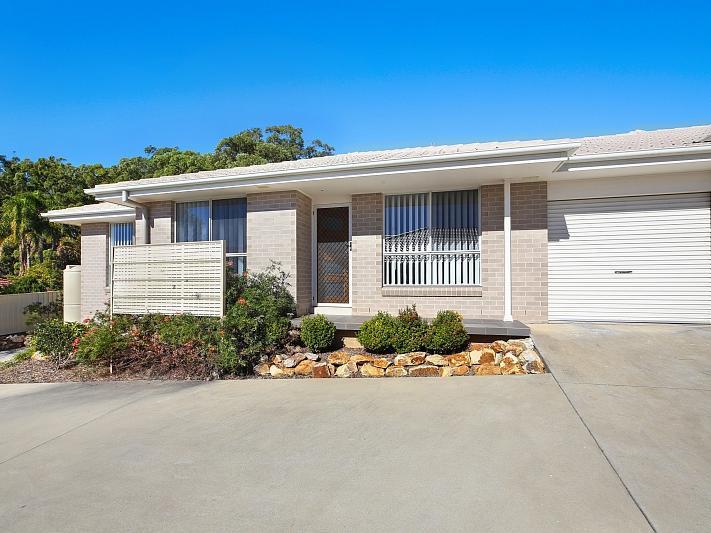 4/12 Fernhill Road, Port Macquarie