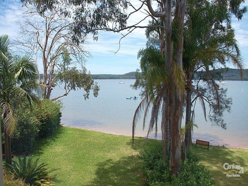 16 Merriwa Boulevarde, North Arm Cove, NSW 2324