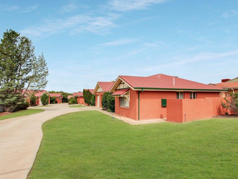 2 Bamarook Crescent, Glenfield Park, NSW 2650