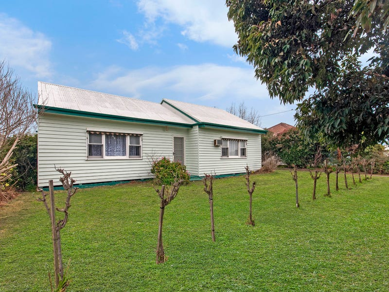 11 Church Street, Coleraine, Vic 3315