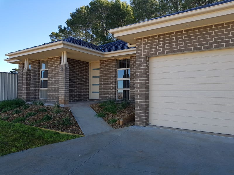 1/15 Giugni Place, Young, NSW 2594