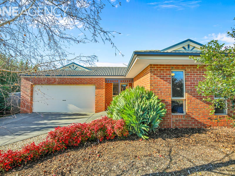 6 Lawrence Road, Drouin, Vic 3818