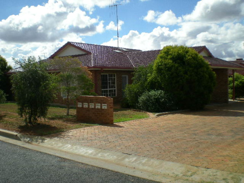 21 Ebelina Crescent, Parkes, NSW 2870