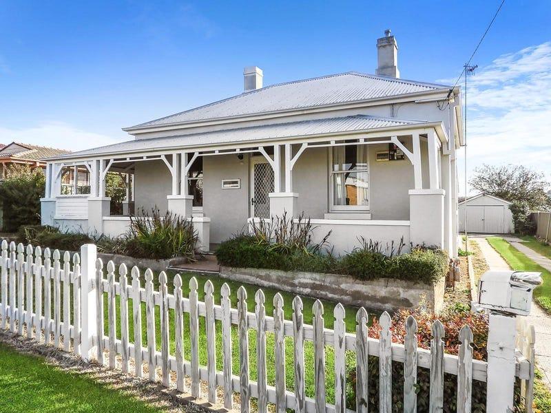 11 Wolseley Street, Bathurst, NSW 2795