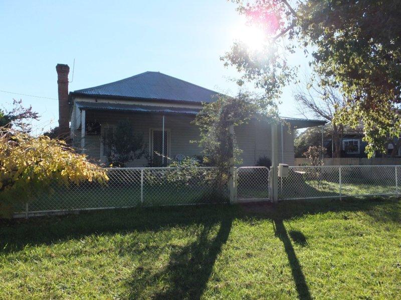 34 DERRY STREET, Ganmain, NSW 2702