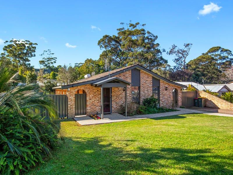 8 Woodglen Crescent, Mollymook, NSW 2539