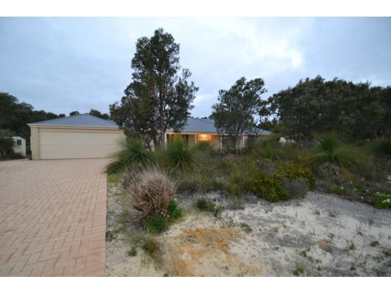 66 Turquoise Loop, Banksia Grove, WA 6031