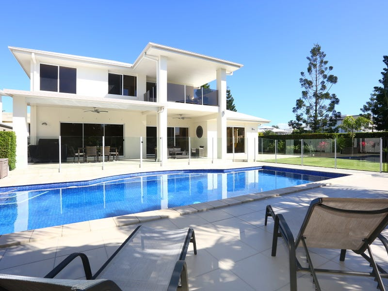 3017 The Boulevarde, Benowa, Qld 4217