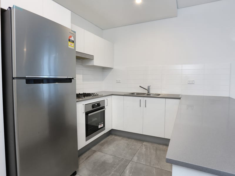 304/161 Great Western Highway, Mays Hill, NSW 2145