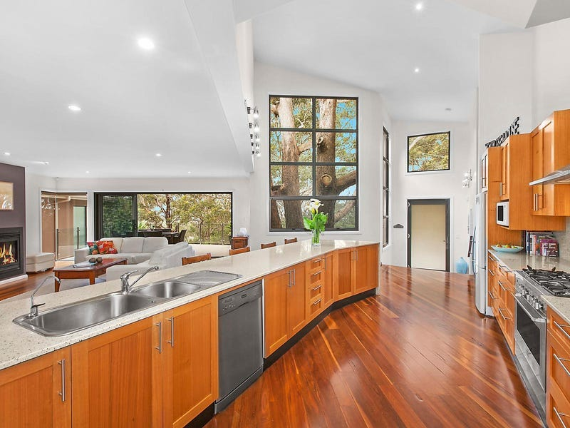 31 Reserve Drive, Bateau Bay, NSW 2261
