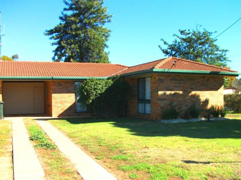 1/286 Albert Street, Deniliquin, NSW 2710