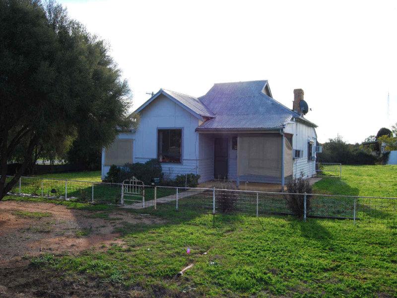 17  Woodhouse Street, Urana, NSW 2645