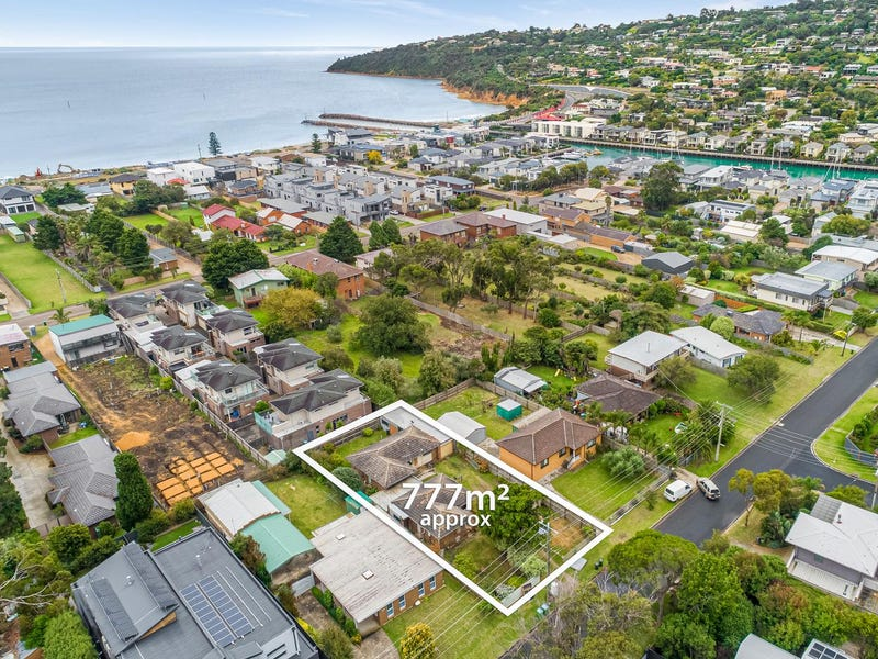 99 Seaview Avenue, Safety Beach, Vic 3936