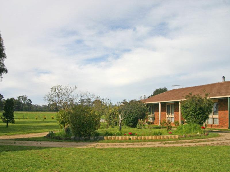 490 James Lane, Fern Hill, Vic 3458