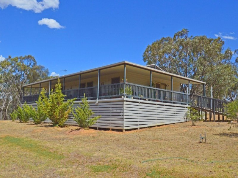 65 Woods Street, Moonambel, Vic 3478
