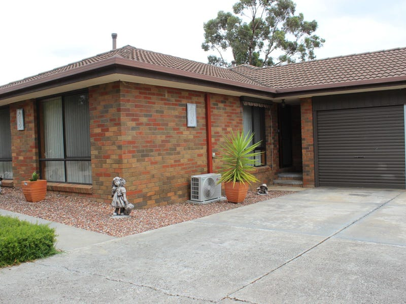 2 Akoonah Drive, Golden Square, Vic 3555