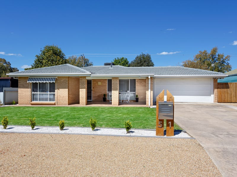 51 Undurra Drive, Glenfield Park, NSW 2650